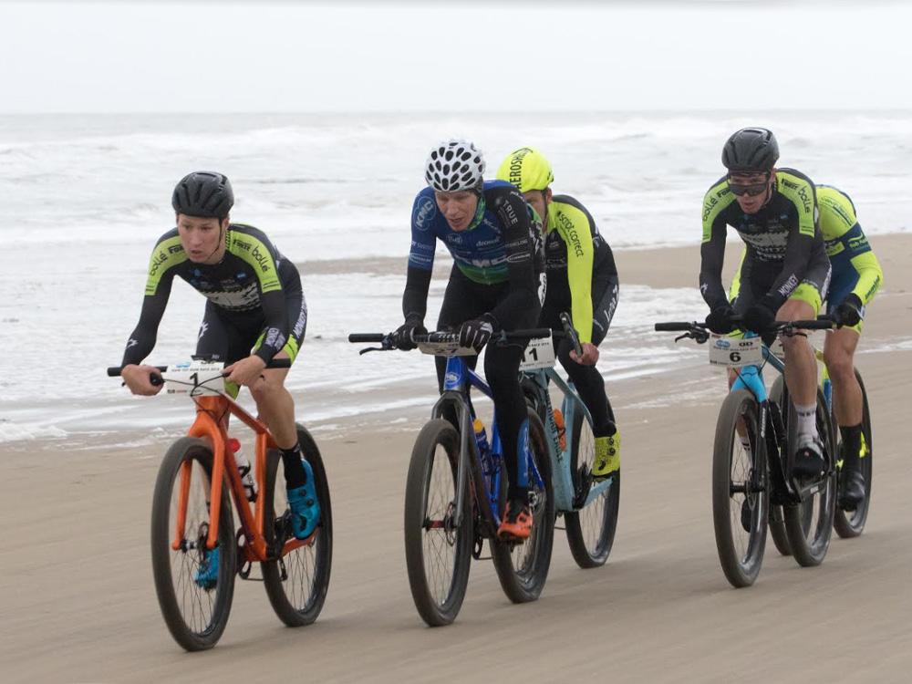 Top podium voor Ivar Silk tijdens strandrace Julianadorp