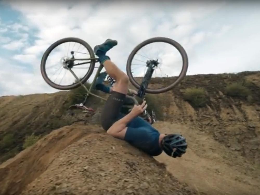 Chris Akrigg op een gravelbike? Crossroads